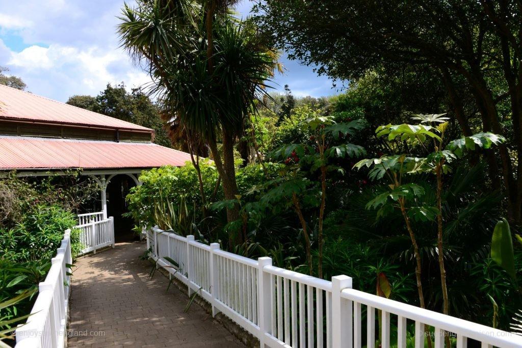 Der vielversprechende Eingangsbereich des Abbotsbury Subtropical Garden