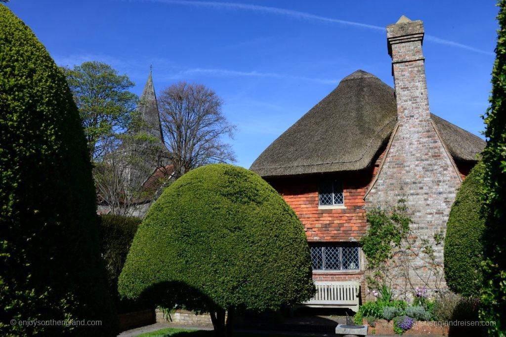 Das Clergy House in Alfriston (East Sussex), das erste Objekt, das der National Trust je erworben hat.