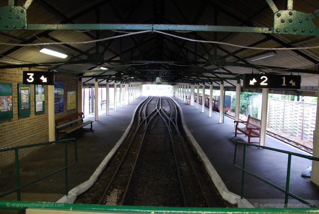 Romney, Hythe & Dymchurch Railway - wie bei einer großen Bahn: Bahnhofshalle in Hyth