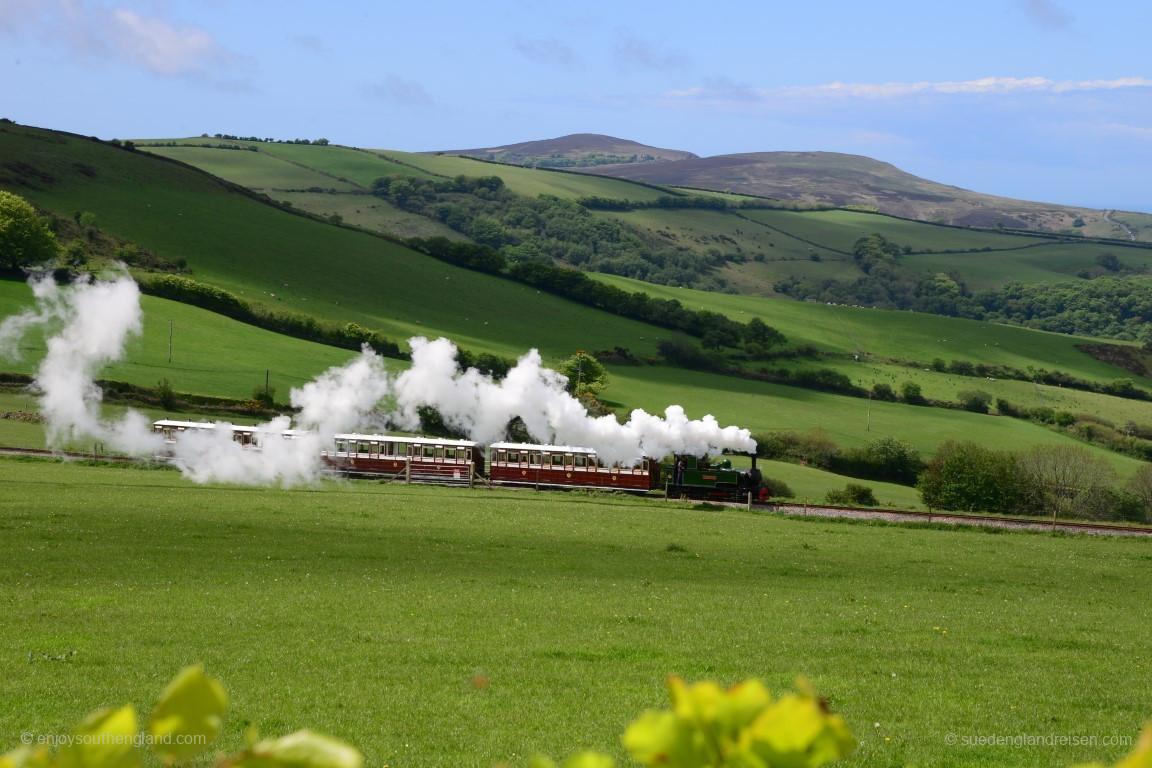 Die Lynton & Barnstaple Railway unterwegs in den Hügeln des Exmoors