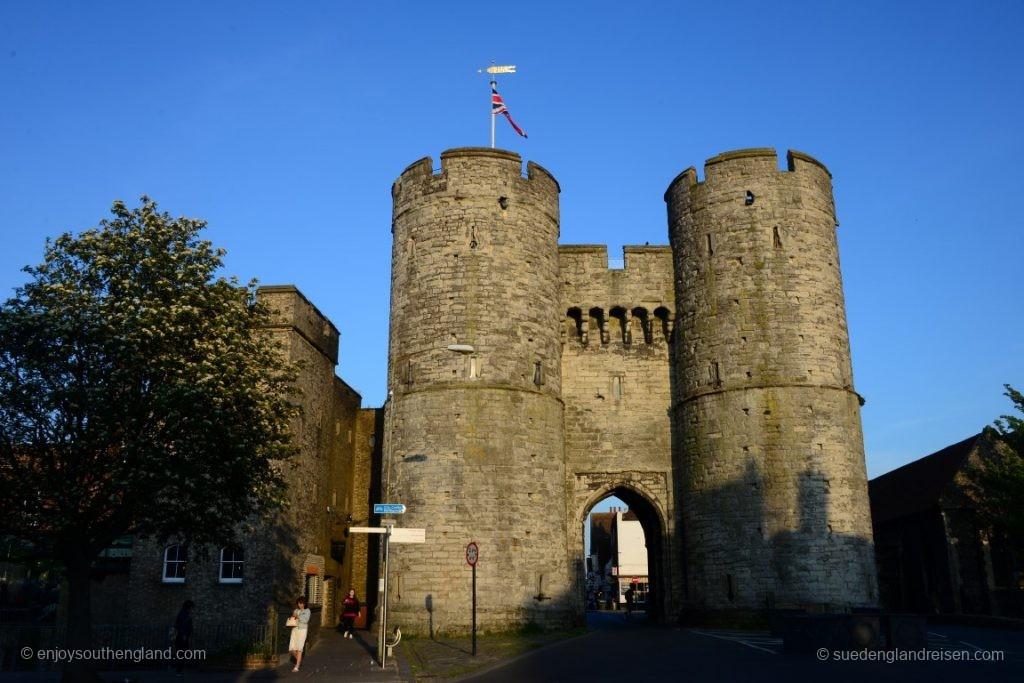 Das West Gate von Canterbury, ein mittelalterliches Stadttor