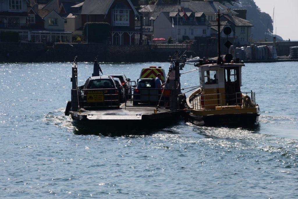 """Die """"Lower Ferry"""", eine sehr rustikale Autofähre"""