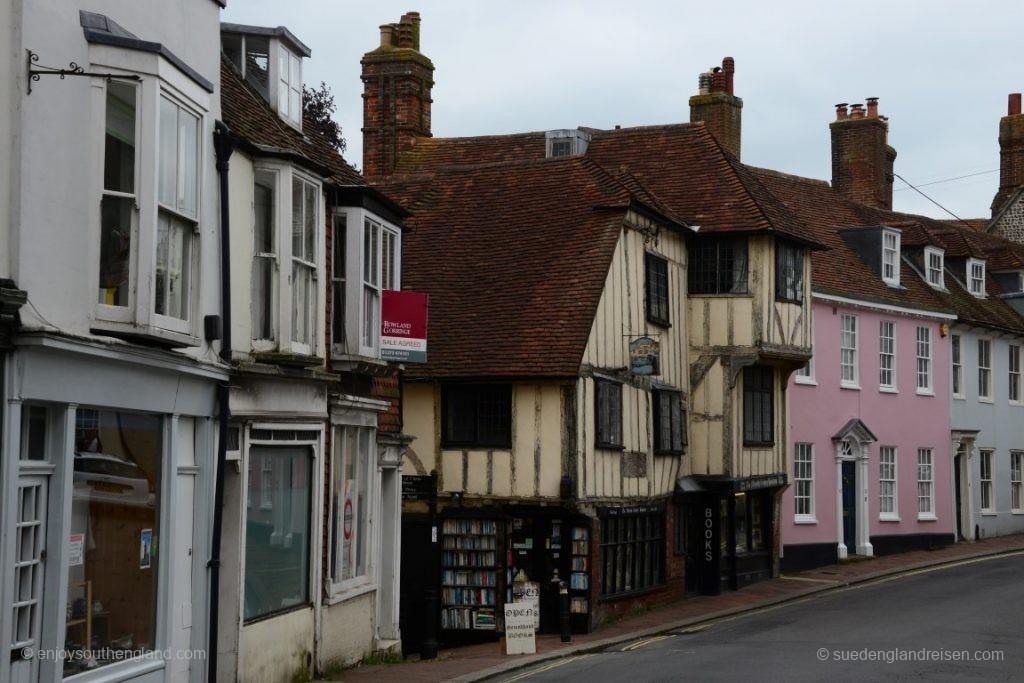 Die High Street in Lewes in einem sehr verkehrsarmen Moment