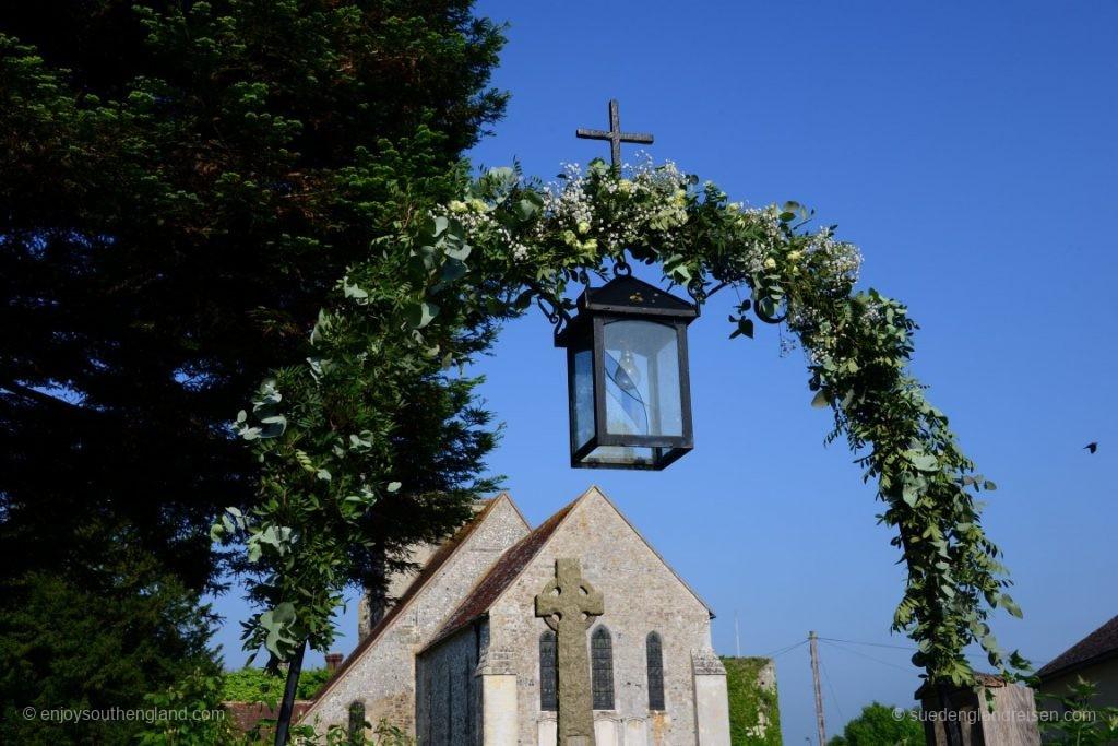 Eingang zur Kirche - gestern war eine Hochzeit