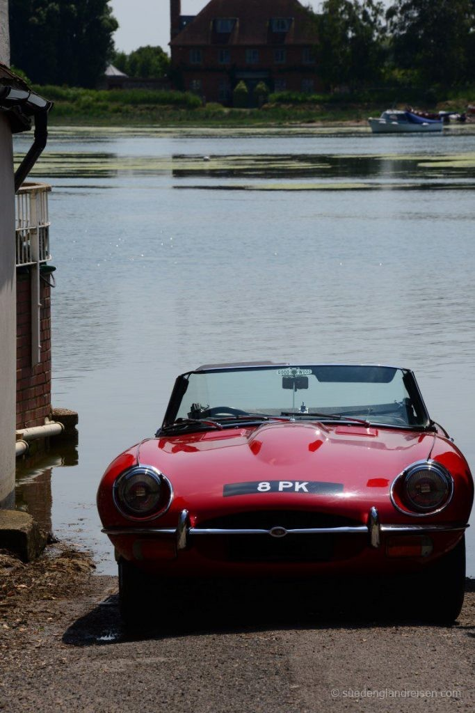 Schönes Auto - aber ob der Fahrer weiß, was er da tut?