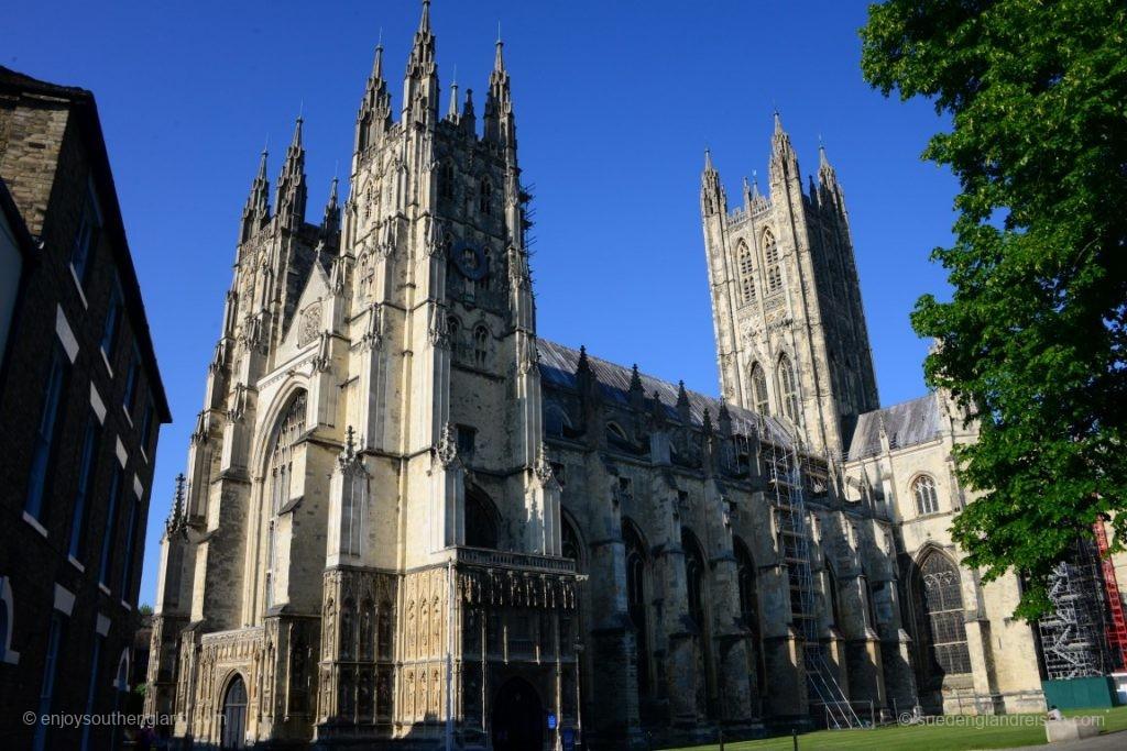 Canterbury ist erstmal die Stadt der bedeutendsten Kathedrale England