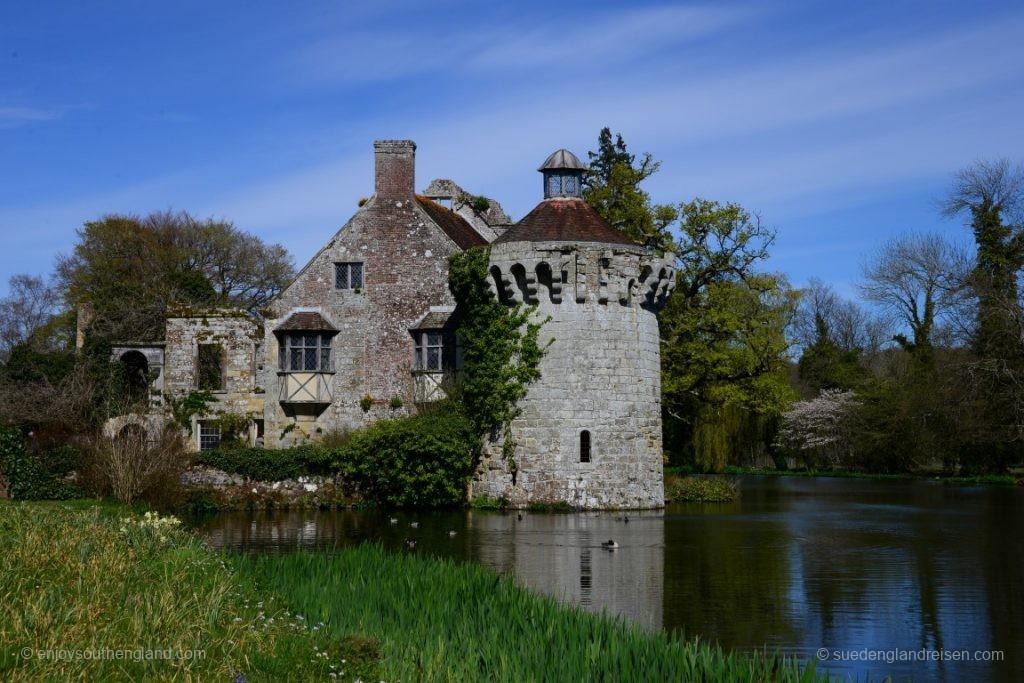 Scotney Castle - die künstlich angelegte Ruine im Landschaftspark