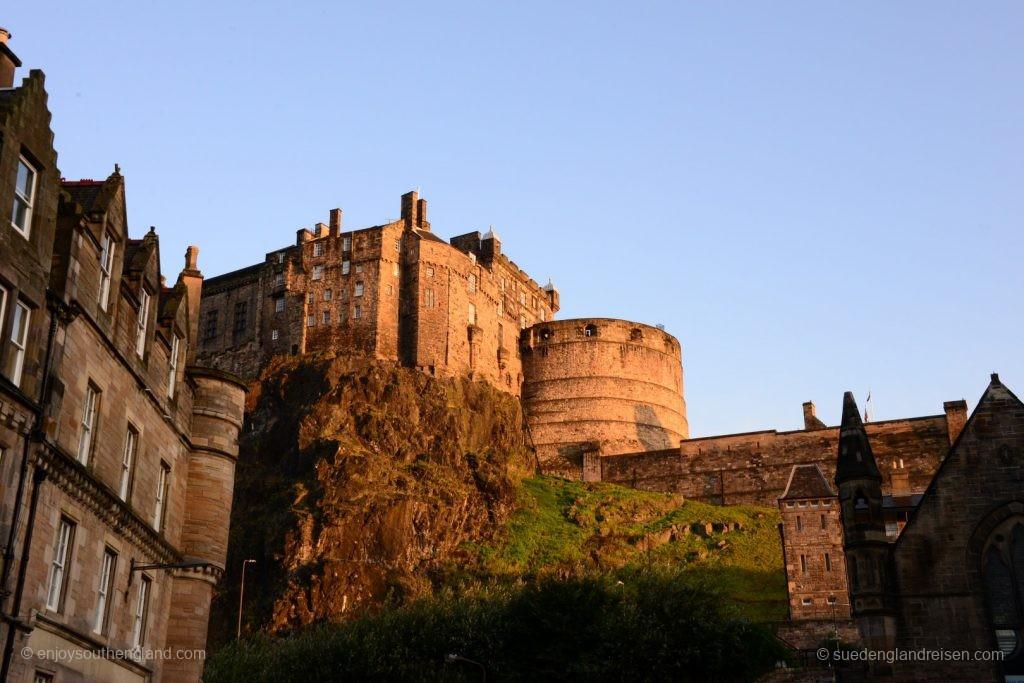Edinburgh Castle im schönsten Morgenlicht