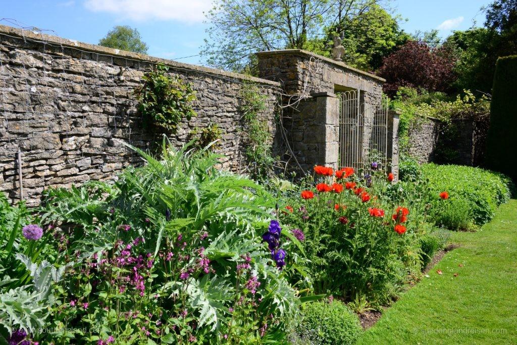 Newark Park - der kleine Formal Garden direkt beim Haus.