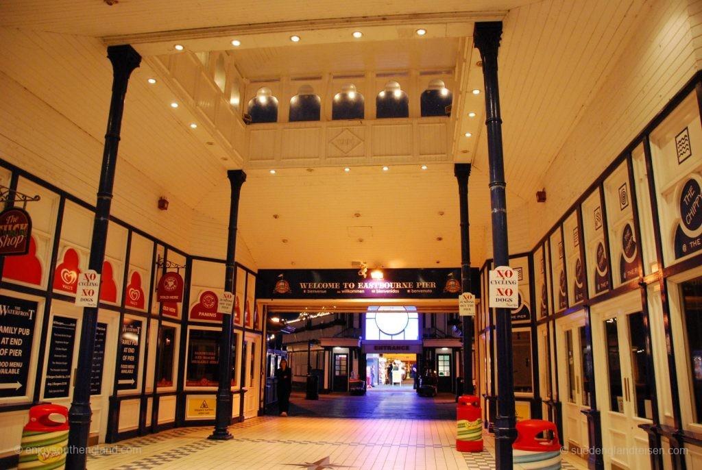 Eingangsbereich zum Eastbourne Pier