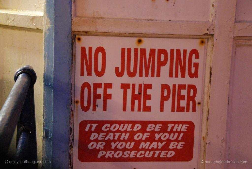 Bitte nicht springen vom Eastbourne Pier