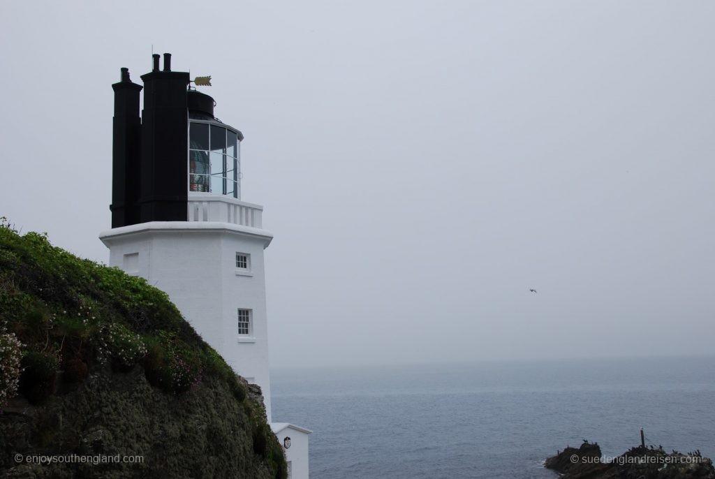 Leuchtturm auf Roseland Peninsula im Nebel