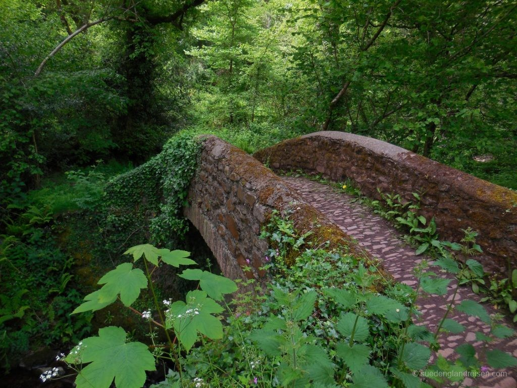 Alte Packhorse-Bridge am Horner