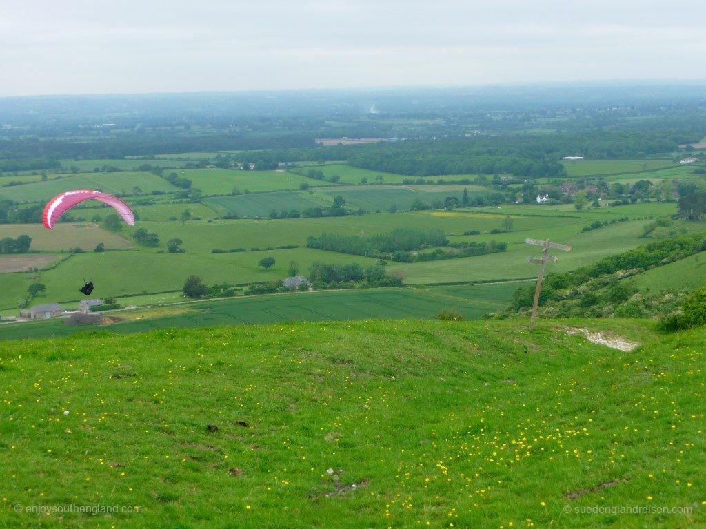 Weites Land von Sussex! Die keine 300 Meter hohen Hügel sind ein Paradies für Paraglider, man mag es kaum glauben.