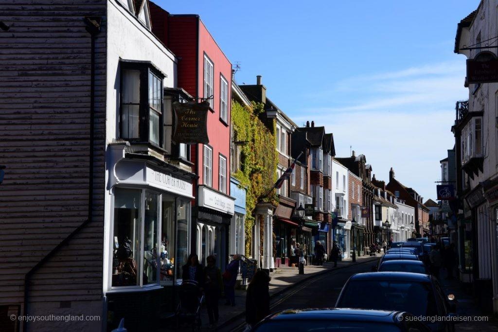 Die High Street von Rye am Morgen - noch ganz ohne Touristen