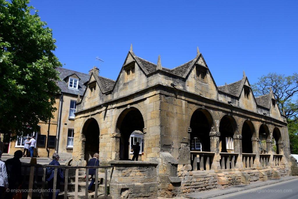 Die Markthalle aus 1627 in Chipping Camden