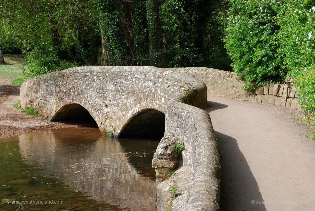 alte Brücke in Dunster