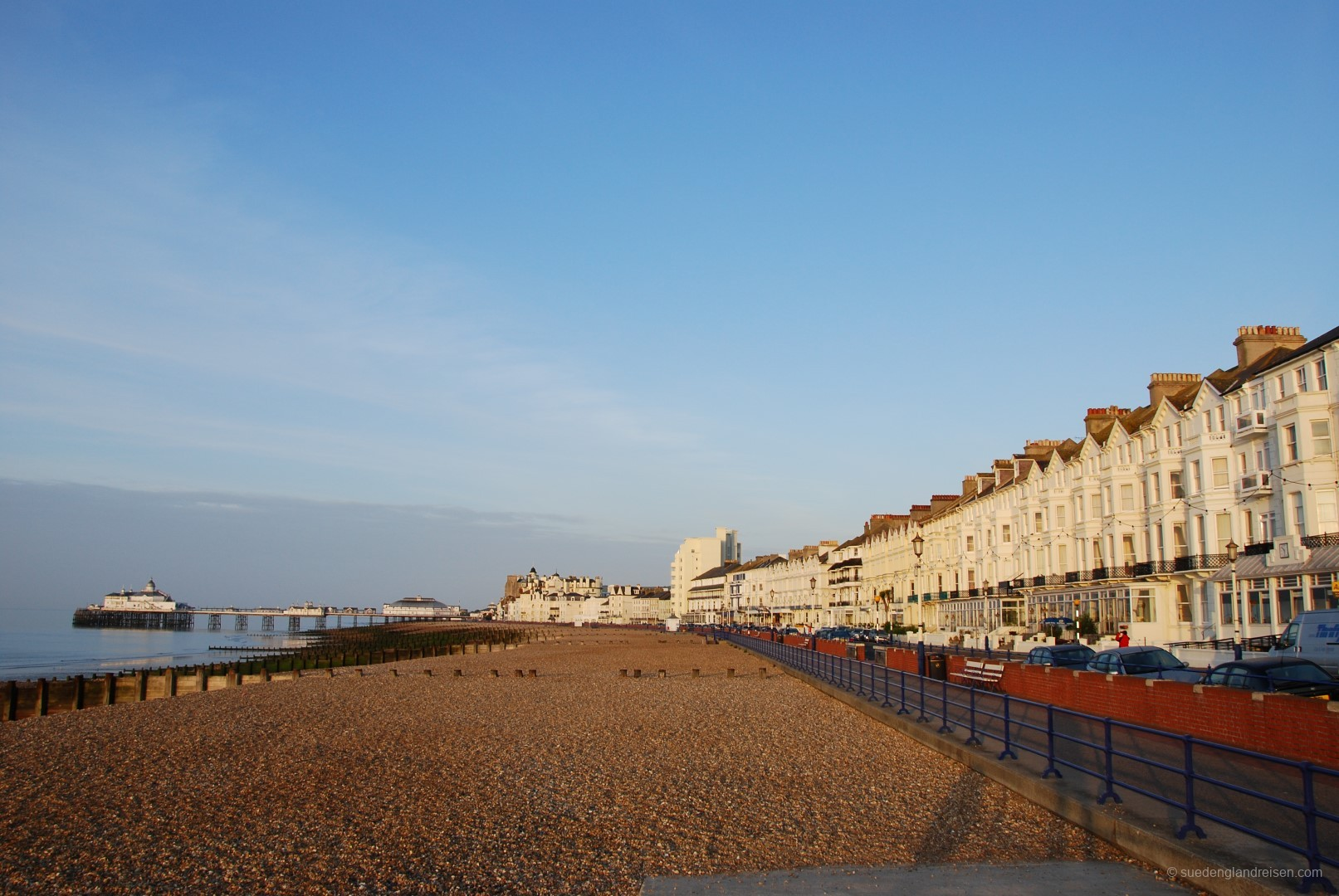 Eastbourne Seafront mit Pier