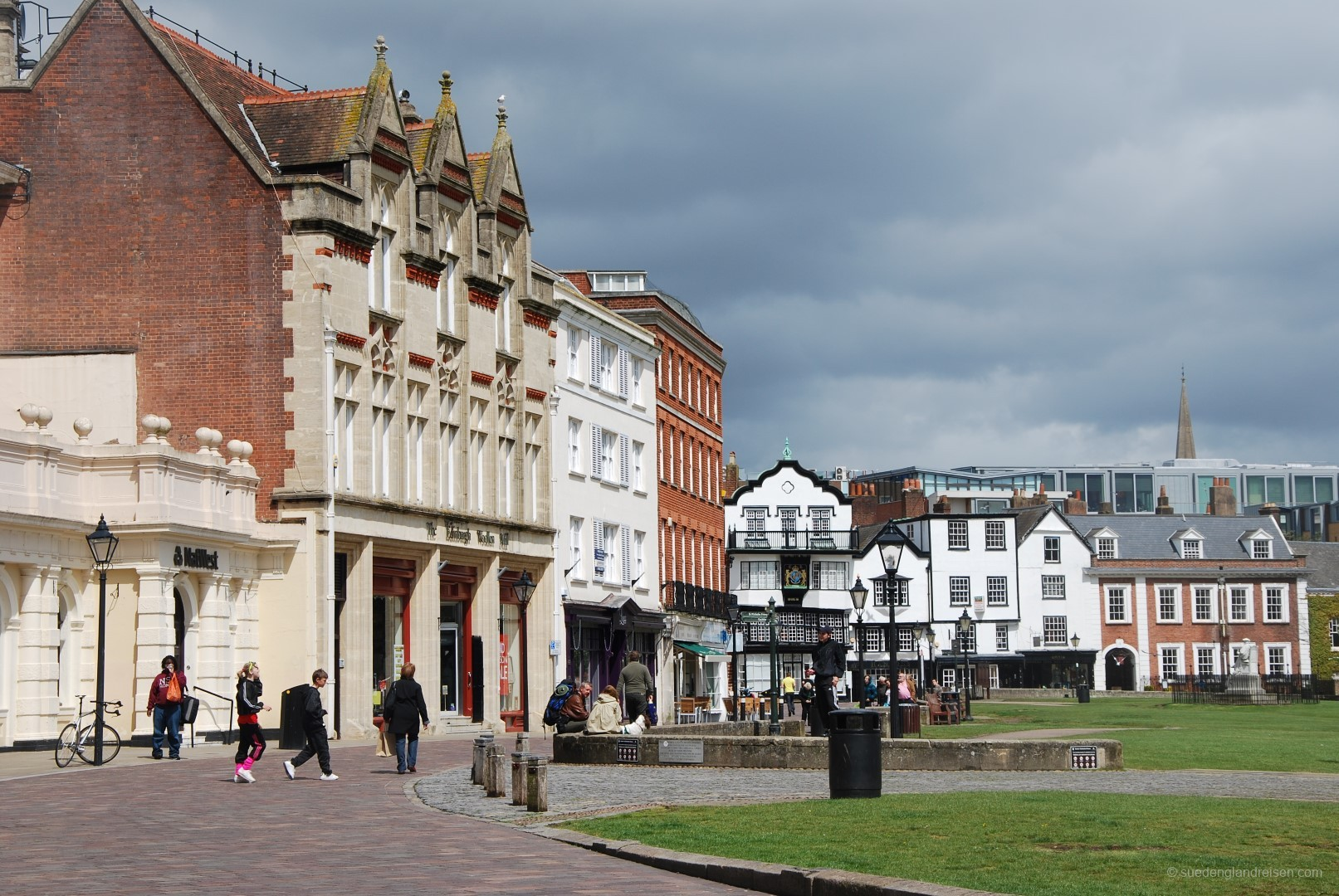 Exeter, bei der Kathedrale