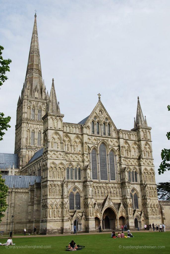 In voller Pracht: Die Cathedrale von Salisbury