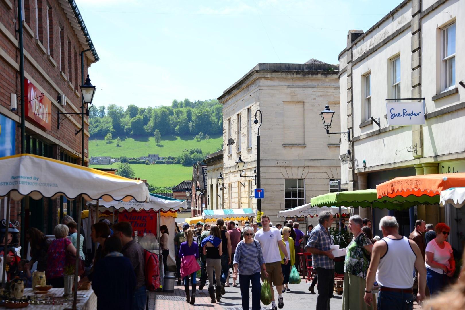Der Farmers Market in Stroud ist teilweise ein echter Street Market