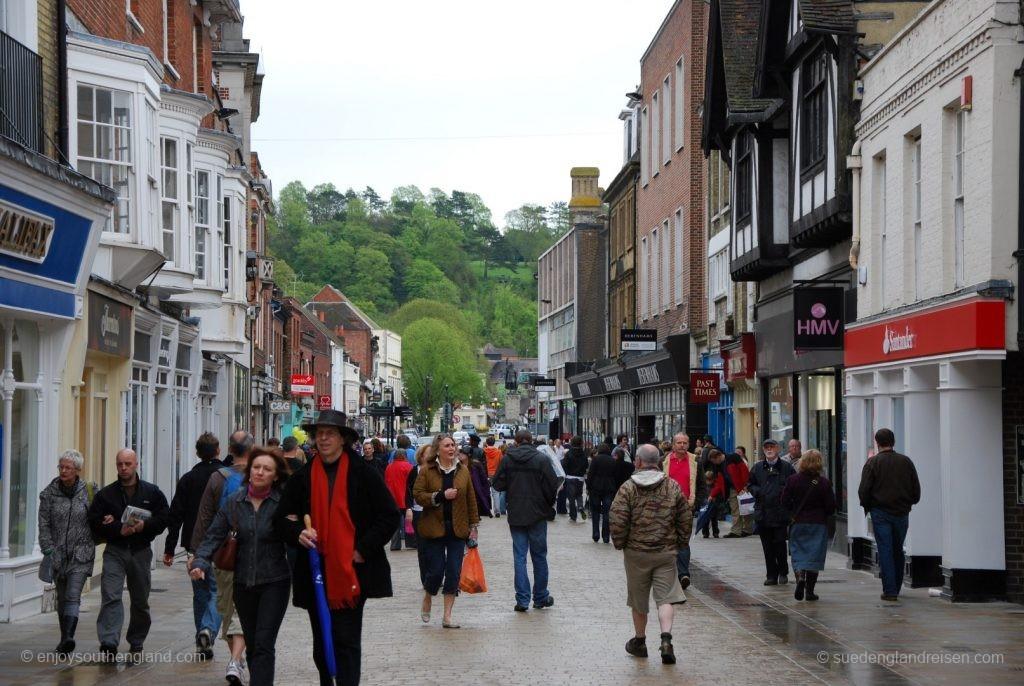 Winchester an einem regnerischen Tag - die Fußgängerzone