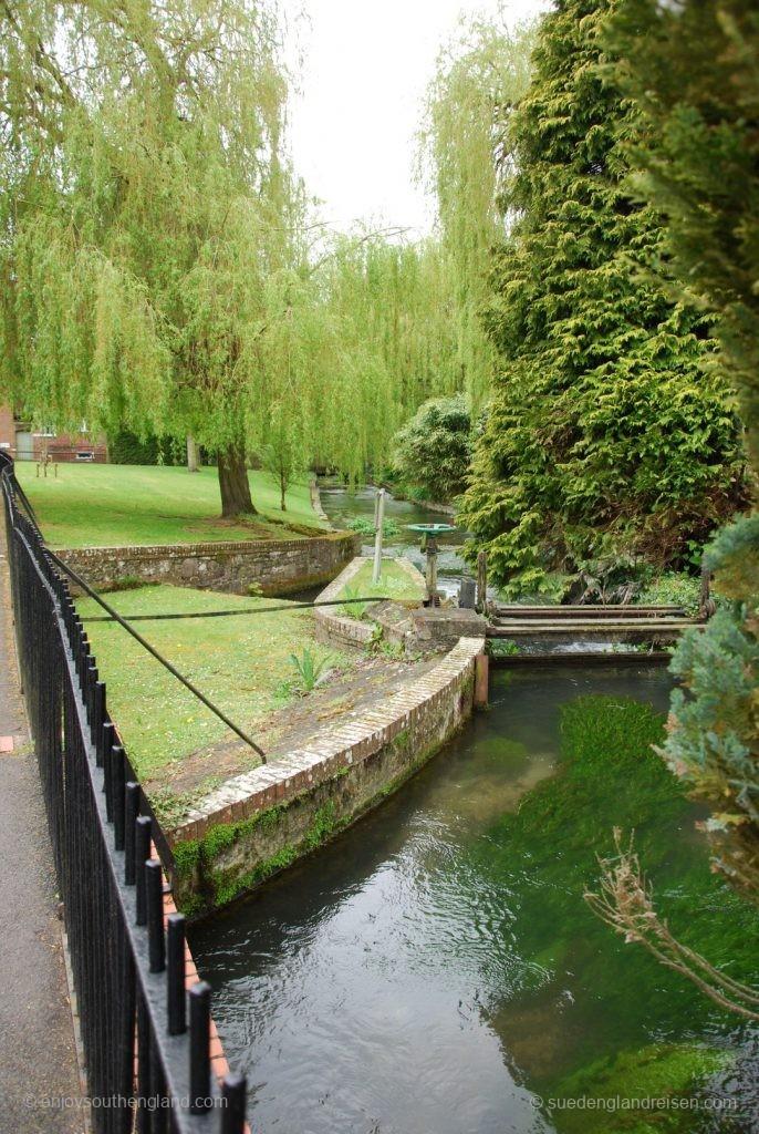 Winchester an einem regnerischen Tag - Abbey Garden