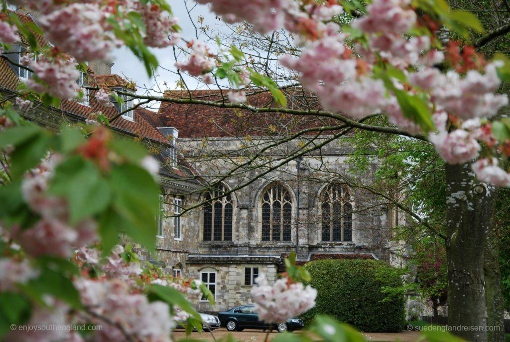 Winchester an einem regnerischen Tag - wenigstens doe Kathedrale hat geöffnet