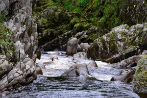 Der Findhorn River - teilweise ist er ziemliches Wildwasser