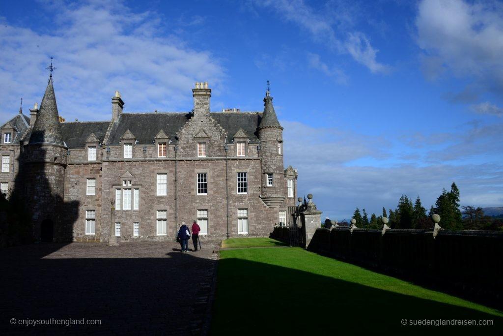 Drummond Castle (das jedoch nicht zu besichtigen ist)