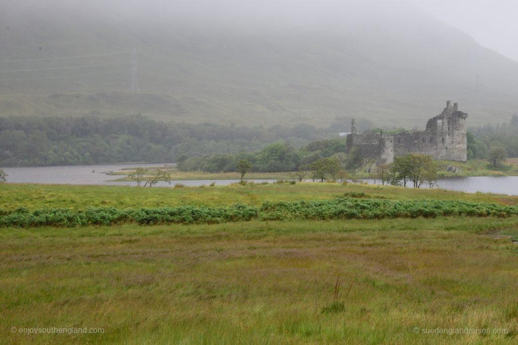 Kilchum Castle am Loch Awe an einem ziemlich wolkenverhangenen Tag