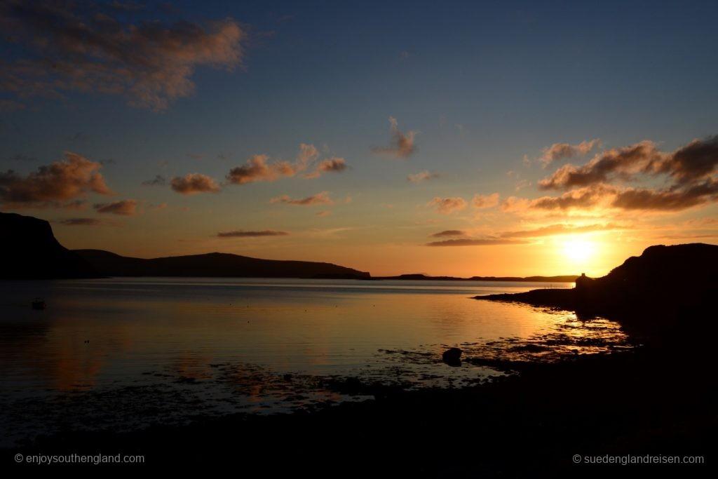 Sonnenuntergang in Stein auf der Isle of Skye
