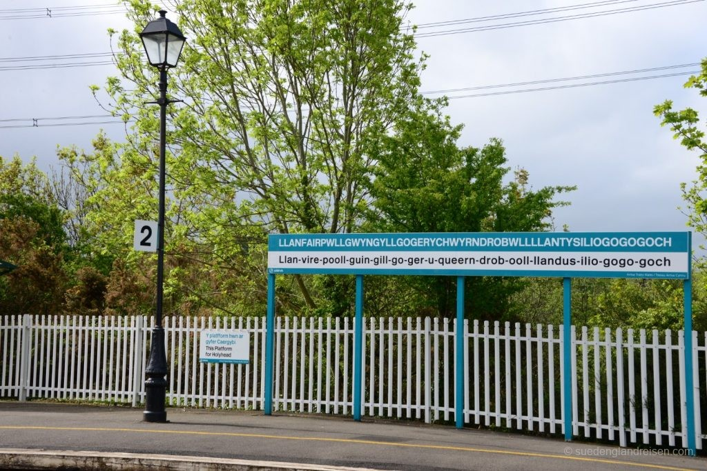 Llanfairpwllgwyngyllgogerychwyrndrobwllllantysiliogogogoch Station