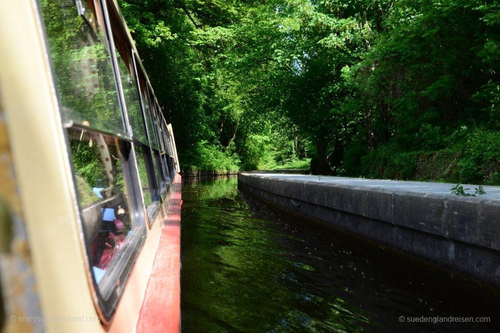 Bootsfahrt auf dem Kanal zum Pontcycyllte Aqueduct