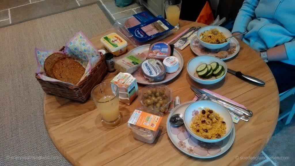 Der Abendbrottisch bei Sabine & Thomas in Südengland